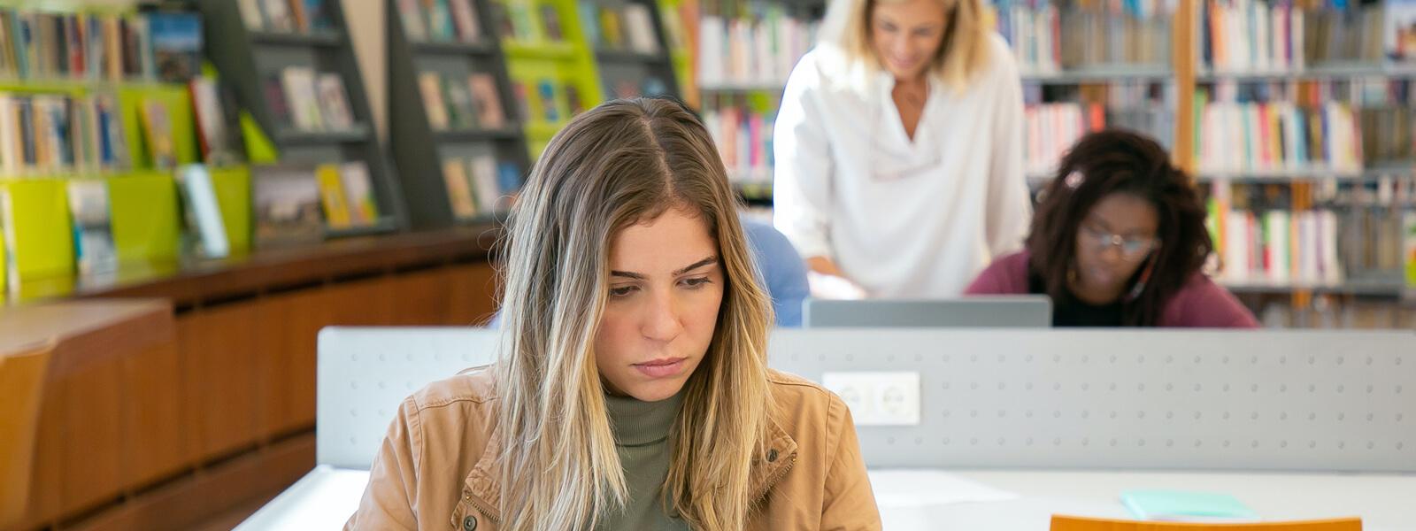 薬剤師国家試験予備校は入学前や1年次からも役立つ